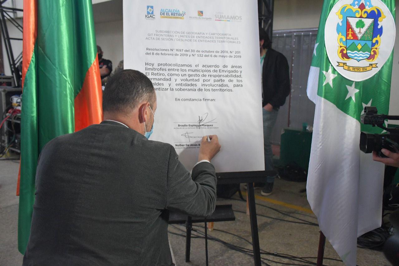 Firma Acuerdo Áreas Limítrofes
